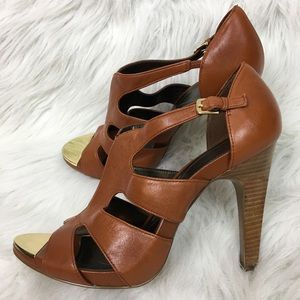 Tahari Shasta Cognac Camel Heels Size 9 Strappy